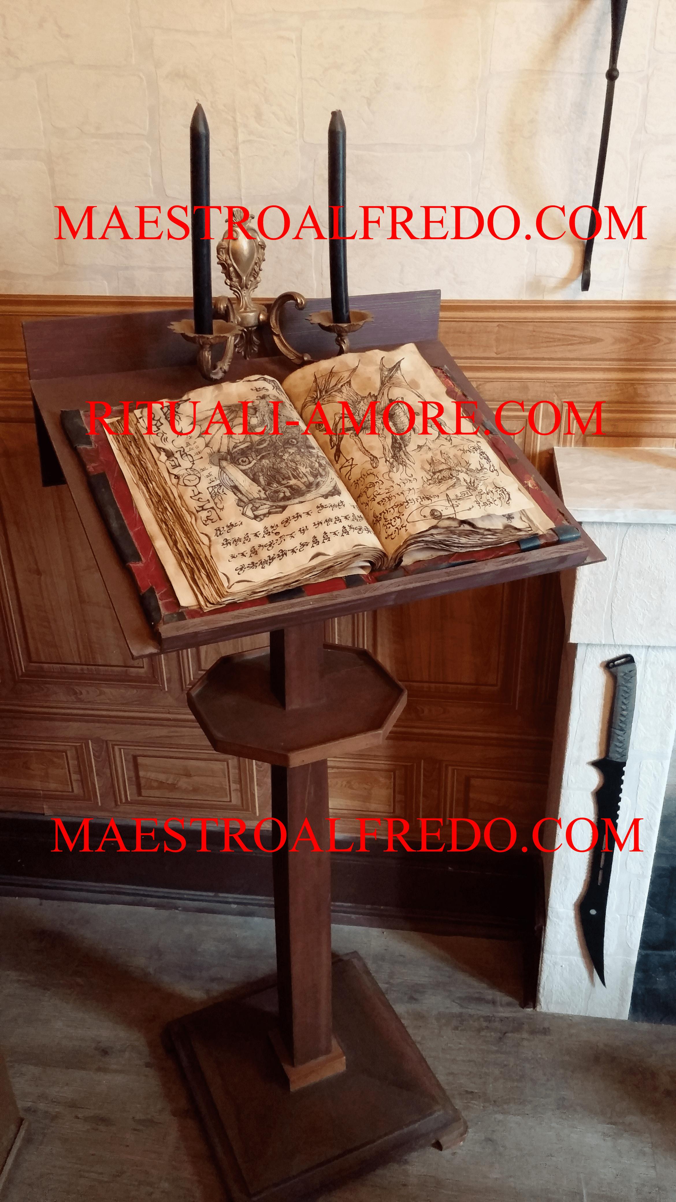 Libri Sacri di Magia per costringere e piegare una persona ad amare